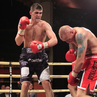 ENGLISH SUPER-MIDDLEWEIGHT TITLE 6-10-12THE OLYMPIA,LIVERPOOLPIC;LAWRENCE LUSTIGROCKY FIELDING V CARL DILKSFIELDING WINS BY 5TH RD KO