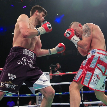 23-11-13PHONES4U ARENA, MANCHESTER.PIC;LAWRENCE LUSTIGCommonwealth Super Middleweight ChampionshipROCKY FIELDING v LUKE BLACKLEDGE